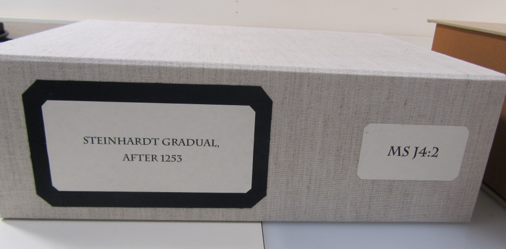 Photograph of clamshell box for MS J4:2