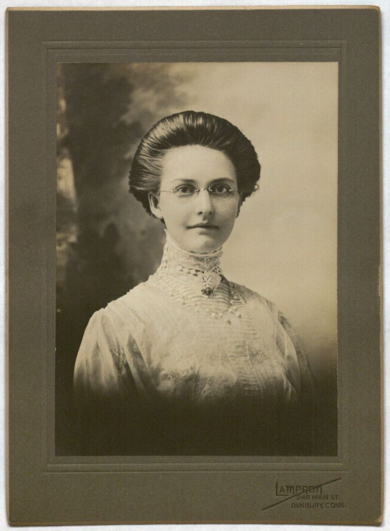 Photograph of Mae Josephine Gillette of Winsted, CT
