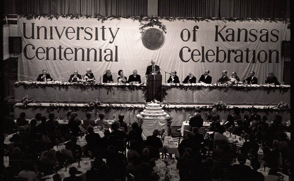 Photograph of the official dinner for the Inter-Century Seminar, 1966