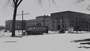Streetcar in front of Strong Hall, KU Campus. 0.24.1_streetcars_1925_0002