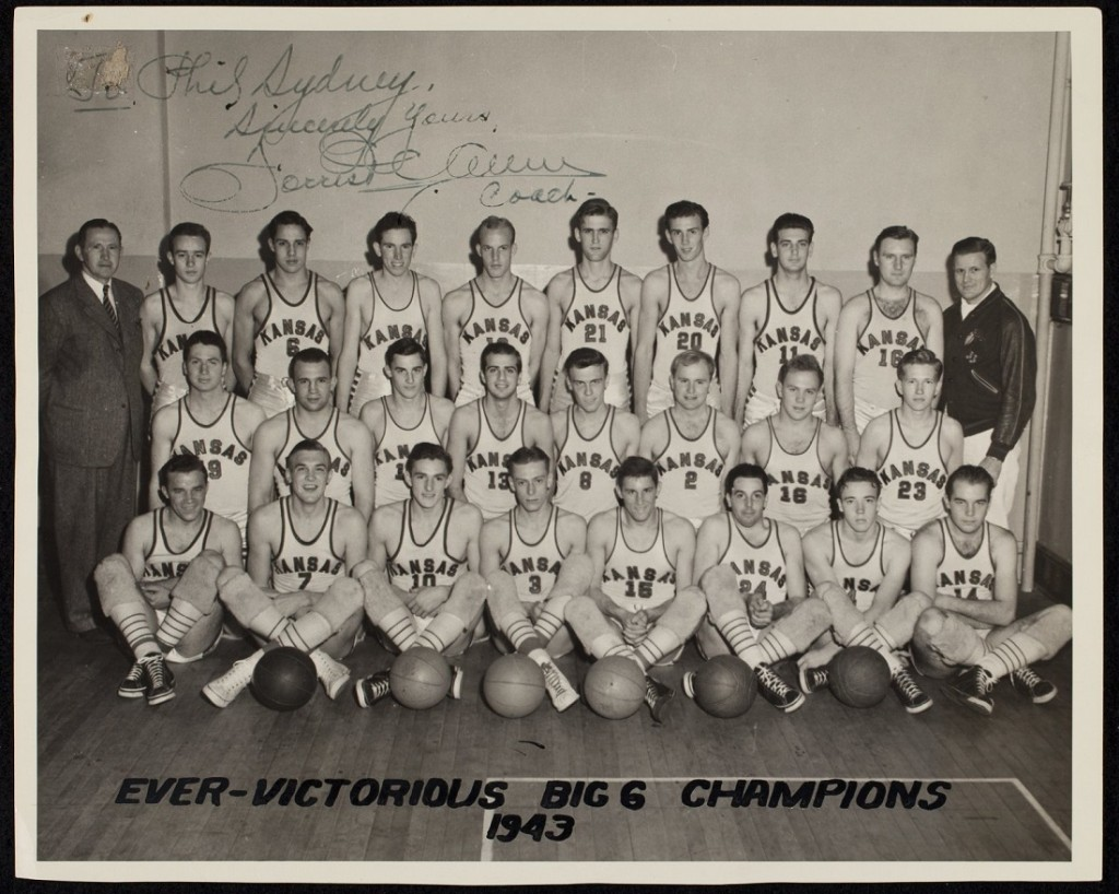 Photograph of the KU men's basketball team, 1942-1943