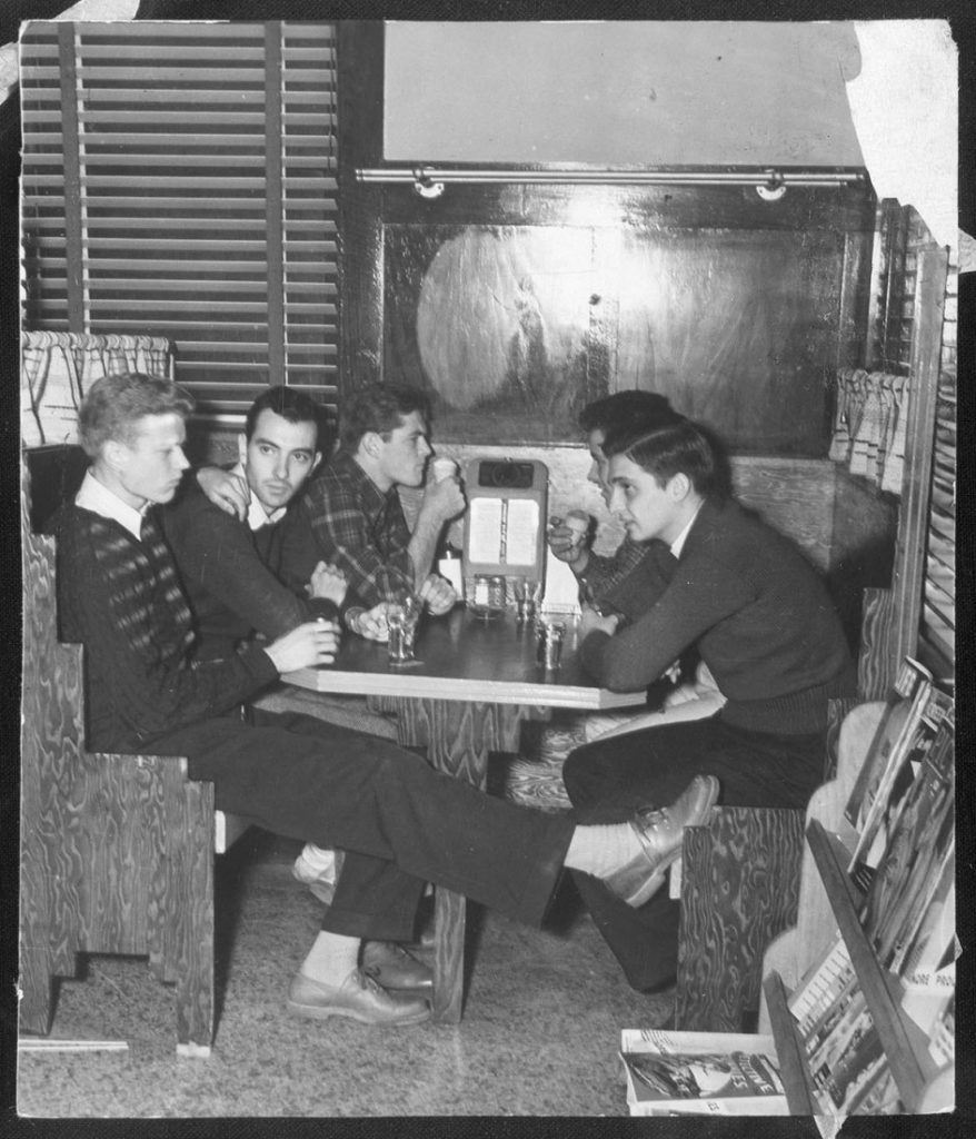 Photograph of KU students at the Memorial Union, 1939-1940