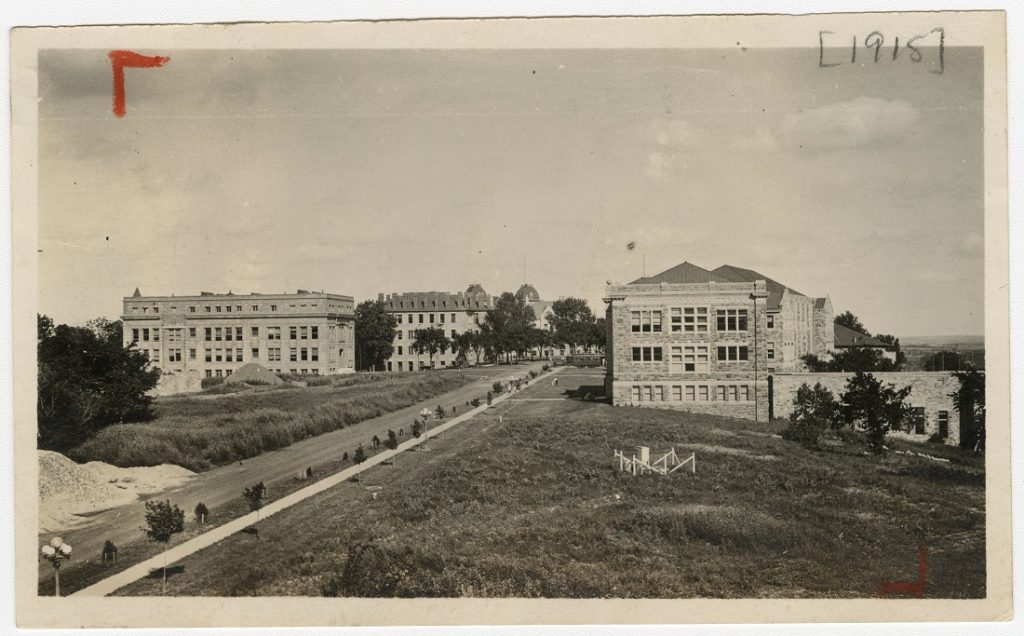 Photograph of Jayhawk Boulevard looking east, 1915
