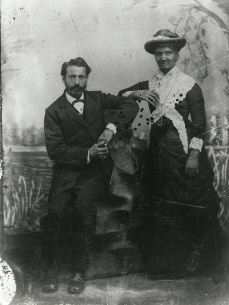 Photograph of Anthony and Anna Scott, 1895