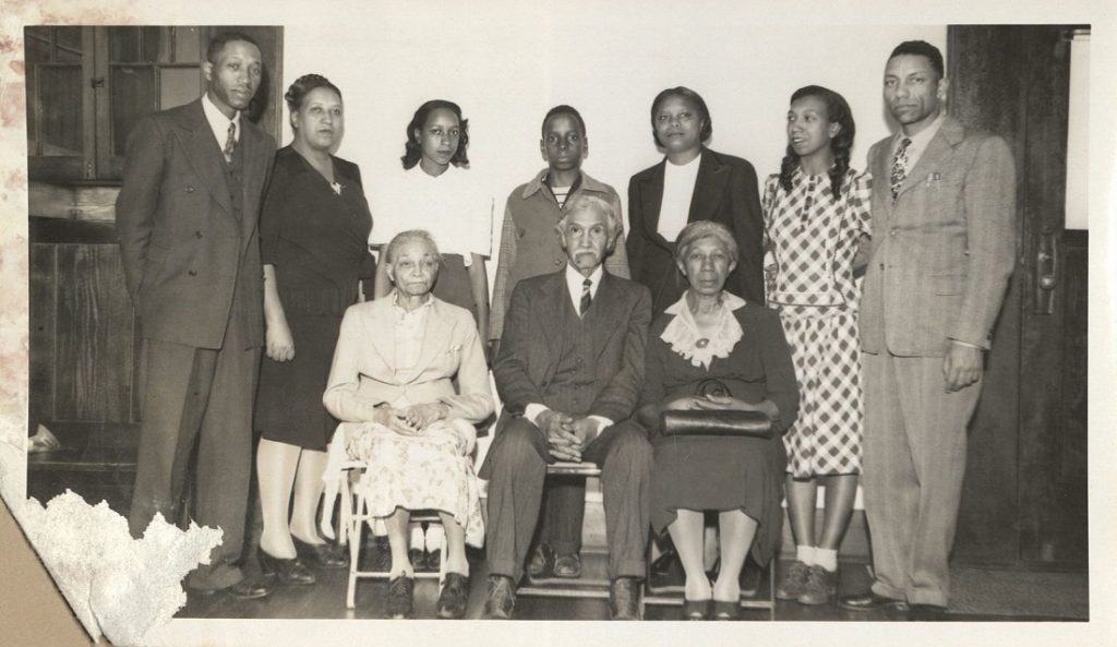 Photograph of the James H. Scott family, 1946