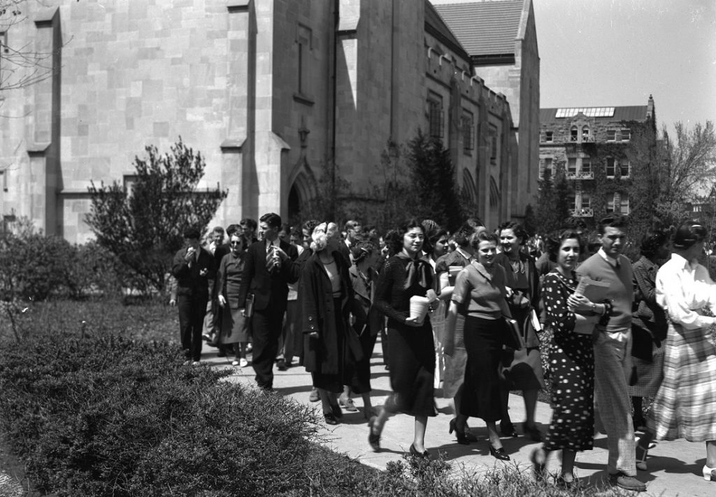 Photograph of KU students leaving class, 1937-1938