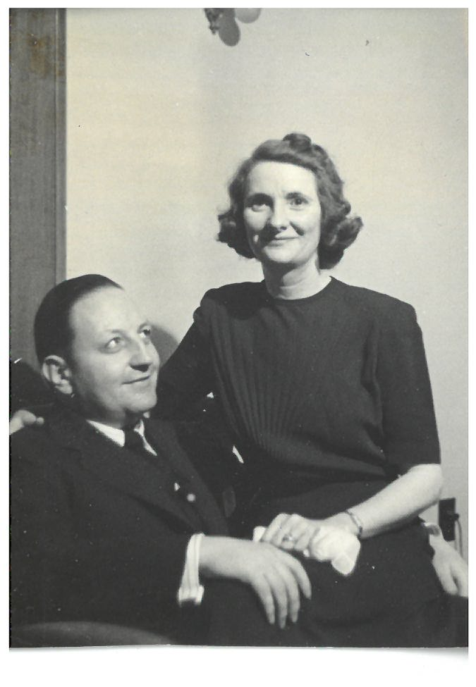 A candid photograph of Kenneth and Helen Spencer, probably dating from the 1940s