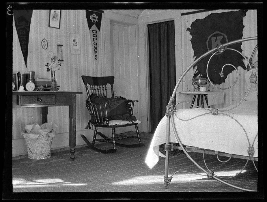 Photograph of a KU student's decorated bedroom, 1911