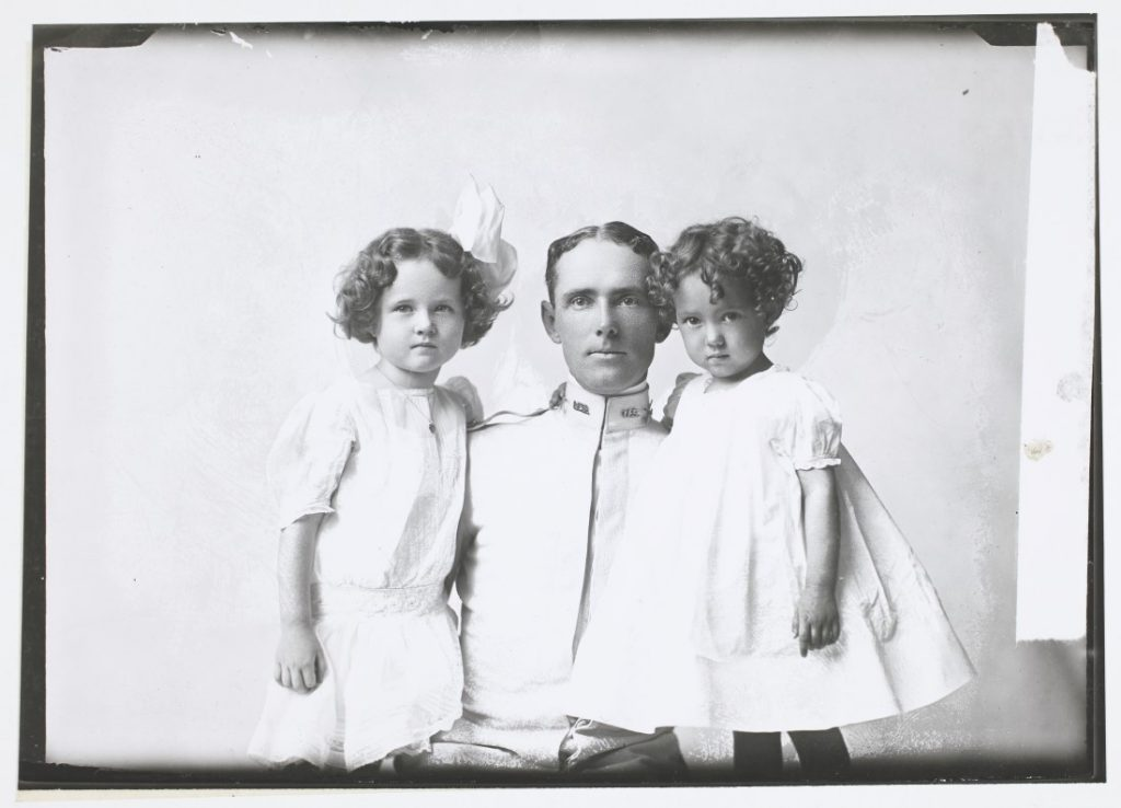 Photograph of Captain Kinnington with his daughters, 1909