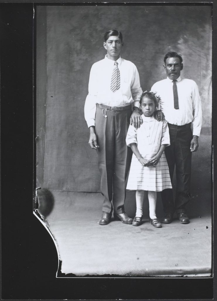 Photographh of the Lopez family, 1920-1921