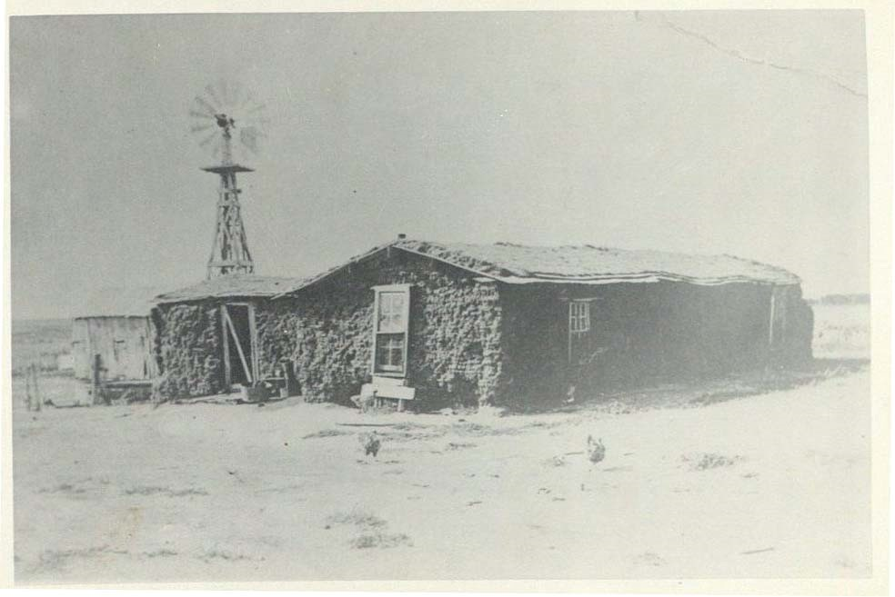 Photograph of the Robert Elliott family homestead, circa 1890s