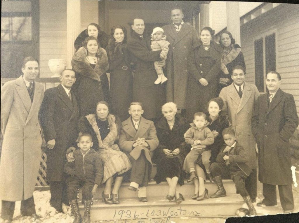 Photograph of three generations of the John David Barker family in Topeka, Kansas, 1936