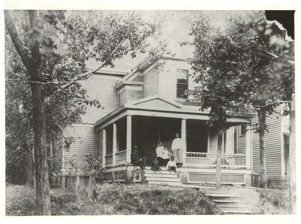 Photograph of the family of Clay and Mettie O'Dell in Topeka, Kansas, circa 1910