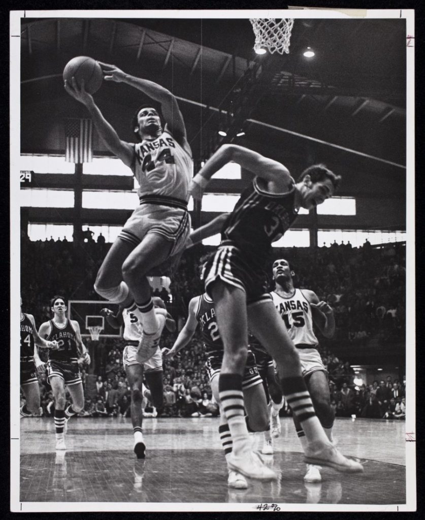 Photograph of a KU men's basketball game against the University of Oklahoma Sooners, 1970-1971